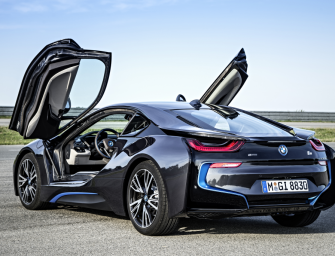 Auslieferungen des BMW i8 starten im Juni.