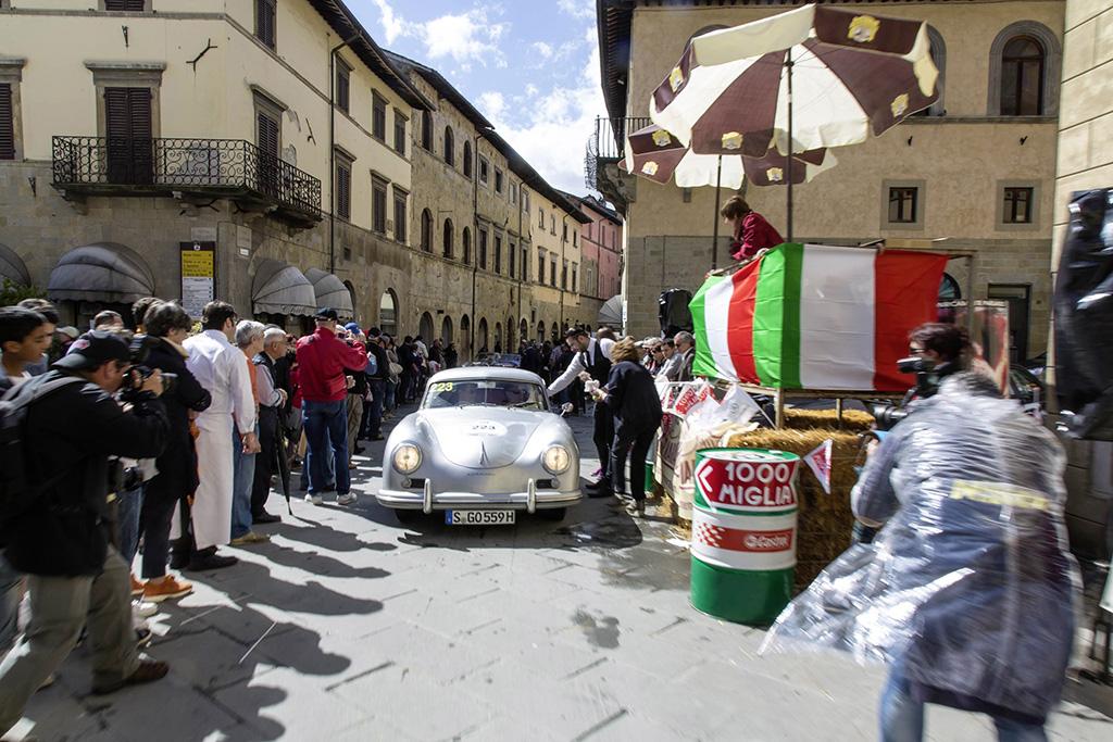 Klassiker aus dem Volkswagen Konzern auf der legendären Mille Miglia