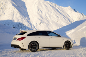 Mercedes-AMG CLA 45 Shooting Brake, calcitweiß