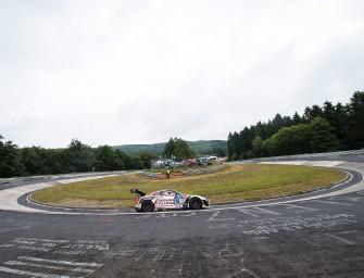 Nissan Trio bläst zum Angriff beim 24-Stunden-Rennen am Nürburgring